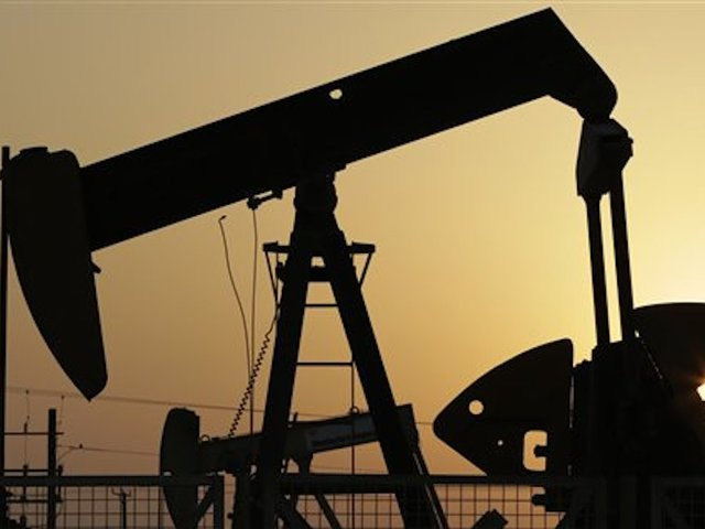 Oil prices jump above $30 a barrel