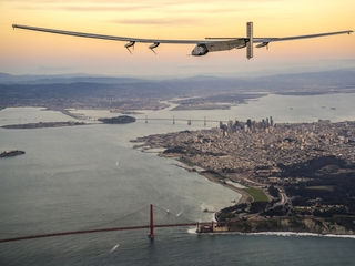 Plane flies across the Pacific without fuel