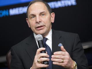 Senator calls on VA secretary to resign