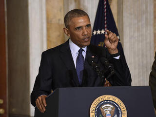 Obama signs compromise drug-abuse bill into la
