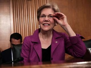 Clinton, Warren meet for first campaign event