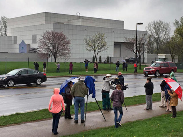 Wanted: Tour guides, security for Prince's Paisley Park