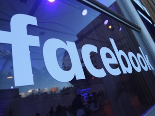People want Facebook to have a human editor