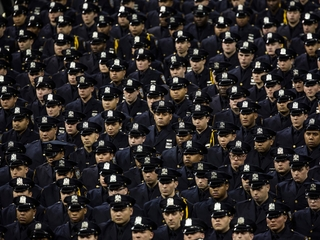 Male officers use more physical force than women