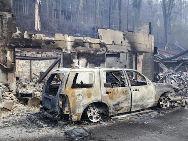 Deadly, destructive wildfires ravage Tennessee tourism town