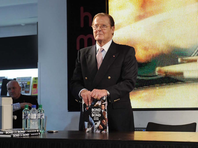 Sir Roger Moore dead at 89