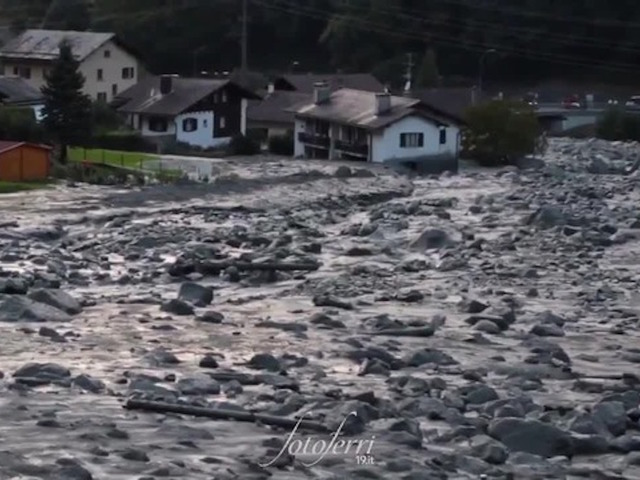 Eight missing after a landslide in the swiss Alps