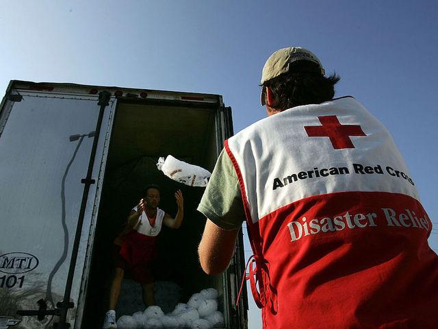 JJ Watt raising money for Hurricane Harvey recovery