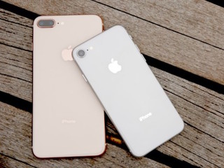 Apple fans line up for iPhone 8