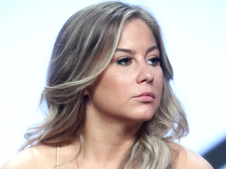 Shawn Johnson reveals miscarriage in video