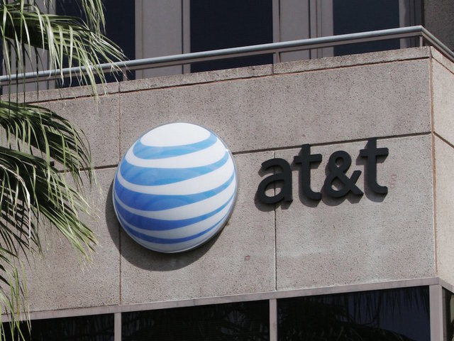 Experiencing a cellular outage on AT&T? This simple step should fix it