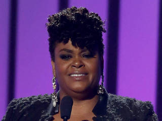 Jill Scott has big night at Soul Train Awards