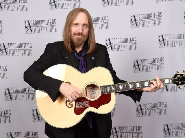 Family says Tom Petty died of accidental drug overdose