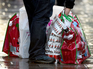 Survey: 7 in 10 would stop giving holiday gifts