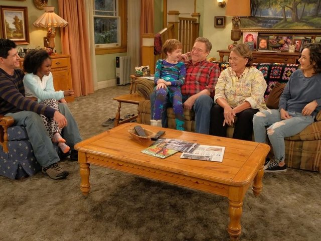 'Roseanne' Showrunner Addresses Roseanne Barr's 2009 Hitler Photos After Pics Resurface