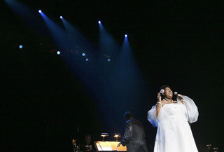 Tributes flood in for Aretha Franklin