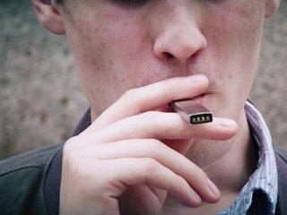 FDA takes 'historic action' on teen e-cig use