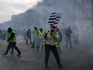 France 'gilets jaunes' protesters detained