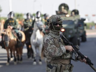 US to begin withdrawing troops from Border